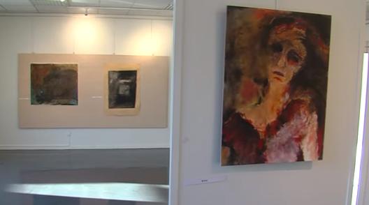News News Art plastique : EVA DT concile poésie et peinture à Montigny-le-Bretonneux